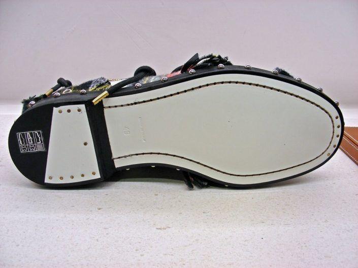 Fabricación de suelas para el calzado Grupo Santiño.